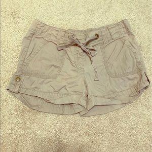 LOFT Ann Taylor Tan Cargo Shorts Size 4